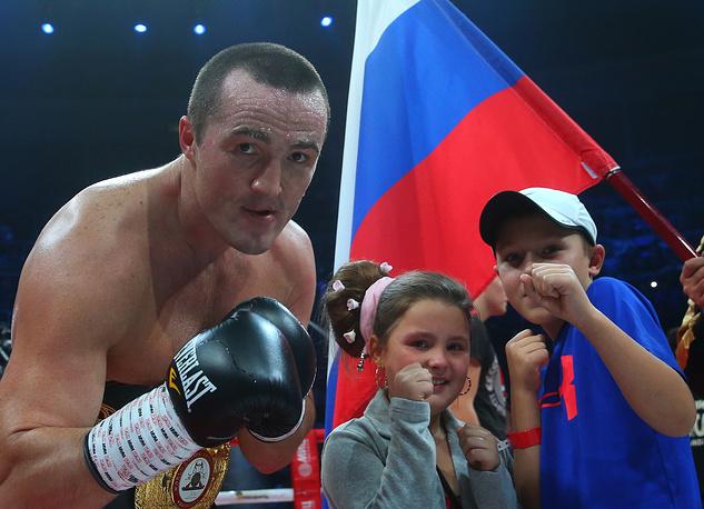 Денис Лебедев с дочерью и племянником