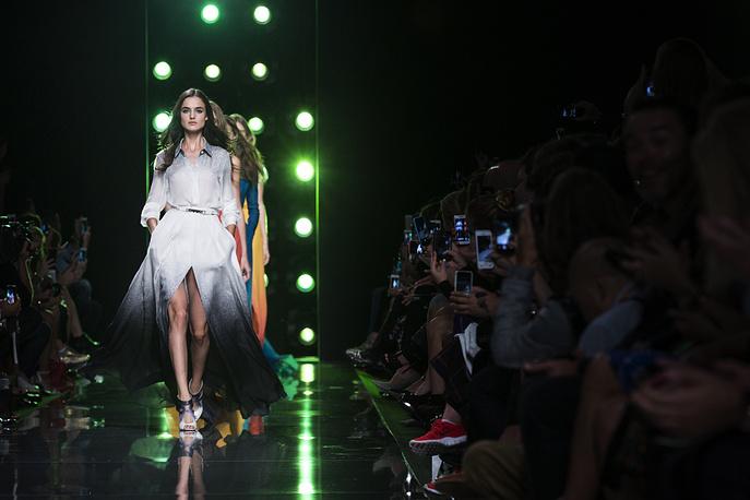 Показ одежды ливанского дизайнера Эли Сааб (Elie Saab)