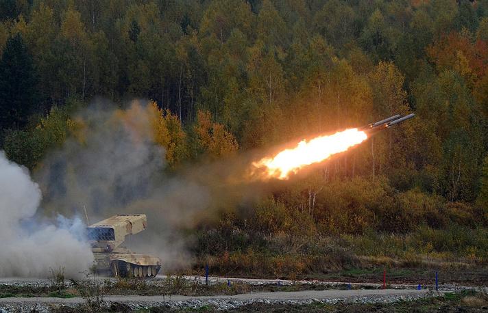 Показательные выступления военной техники на IX Международной выставки вооружения Russia Arms EXPO-2013