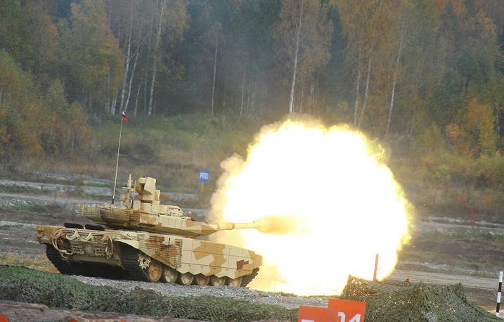 """Танк """"Т-90МС"""" во время показательных стрельб"""