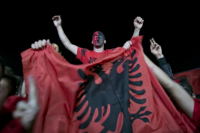 Фанаты команды Албании