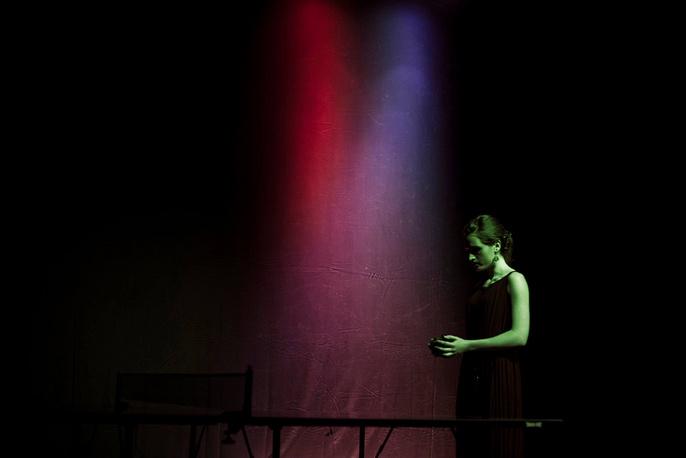 """Елена Рыкова (""""Молодой художник. Проект года""""). """"Зеркало Галадриэль"""". Музыкальный перформанс. Осень 2012 года"""