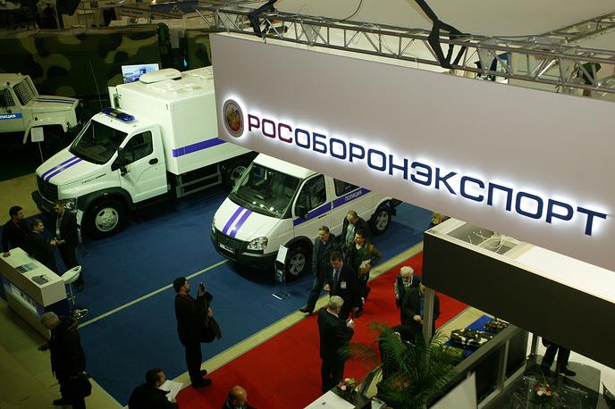 """МВД РФ и """"Рособоронэкспорт"""" в ходе открывшейся выставки подписали соглашение о сотрудничестве, предусматривающее сотрудничество сторон в военно-технической сфере. Соглашение действует в течение года с момента подписания"""