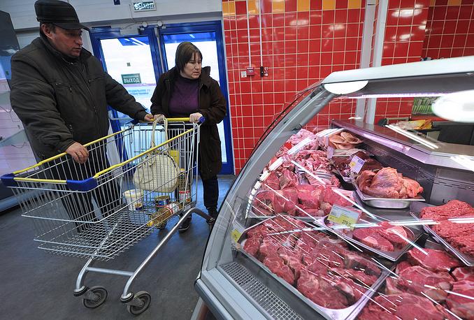 С 21 октября Россельхознадзор ввел запрет на импорт в Россию говяжьих субпродуктов, тримминга (мясная обрезь), мясокостной муки, говяжьего, свиного и птичьего жира из стран Евросоюза