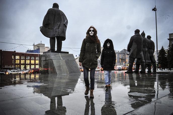 Завершилось шествие на площади Ленина