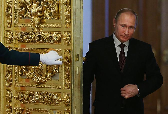 """1. Президент РФ Владимир Путин. Forbes отмечает, что данный выбор """"кажется просто очевидным"""", объясняя это, в частности, присоединением Крыма к РФ, а также заключением Россией """"сделки на более чем $70 млрд с Китаем по постройке газопровода"""""""