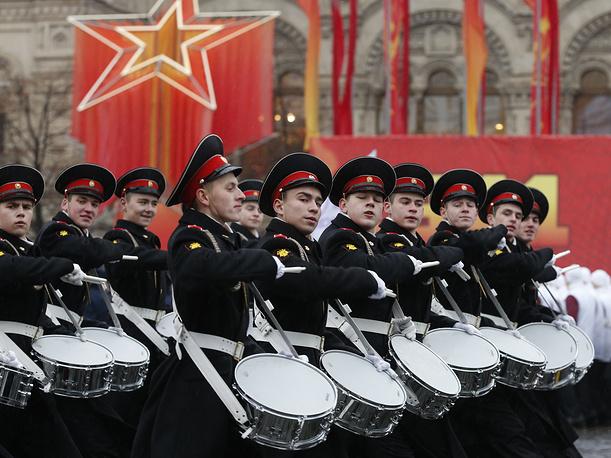 Участники торжественного марша на Красной площади