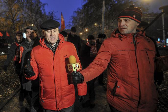 Мэр города Новосибирска Анатолий Локоть возглавил колонну