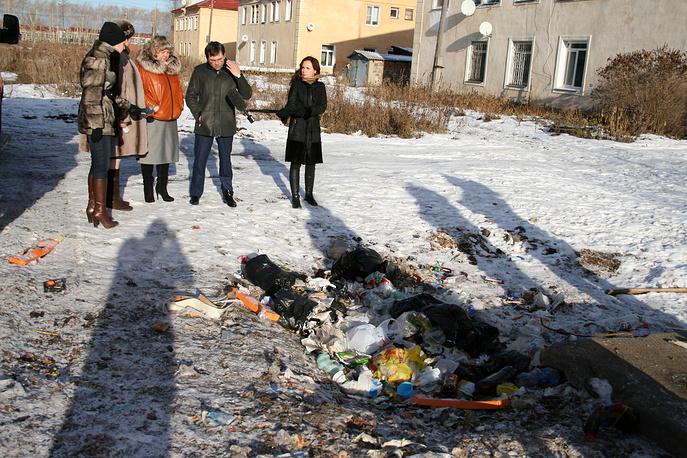 Заместитель министра строительства и ЖКХ РФ Андрей Чибис обнаружил несанкционированную свалку