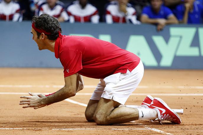 """Федерер, который является победителем всех турниров """"Большого шлема"""" и Олимпийских игр, занес в свой актив Кубок Дэвиса - последний титул, которого ему не хватало."""