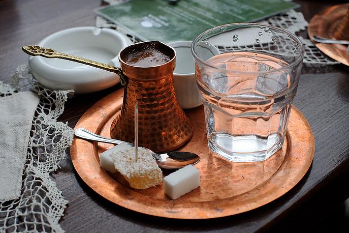 В декабре 2013 года ЮНЕСКО внесла в список нематериального культурного наследия турецкий кофе. Борьба Турции и Греции за право называть напиток своим национальным достоянием решилась в пользу Турции