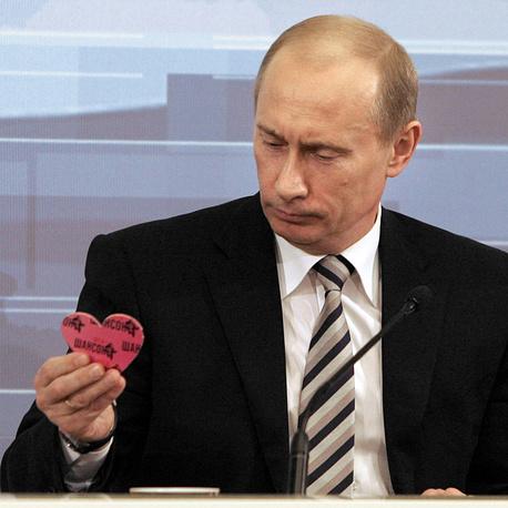 """14 февраля 2008 года Путин установил рекорд по продолжительности общения с прессой - 4 часа 40 минут. Эта встреча подвела своеобразный итог пребывания Путина на посту главы государства. Президент сказал, что ему не стыдно перед гражданами: """"Все эти восемь лет я пахал, как раб на галерах, с утра до ночи, и делал это с полной отдачей сил"""""""