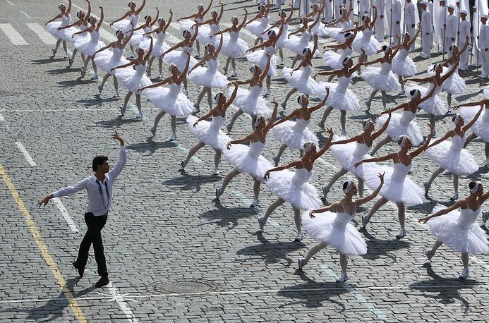 Николай Цискаридзе во время выступления на торжественной церемонии, посвященной Дню города, на Красной площади в Москве, 2011 год