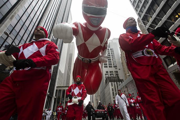 27 ноября более 3 млн человек вышли на центральные улицы Нью-Йорка, чтобы увидеть парад по случаю Дня благодарения