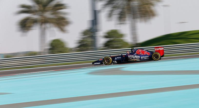 Даниил Квят участвует в квалификационных заездах Гран-при Абу-Даби