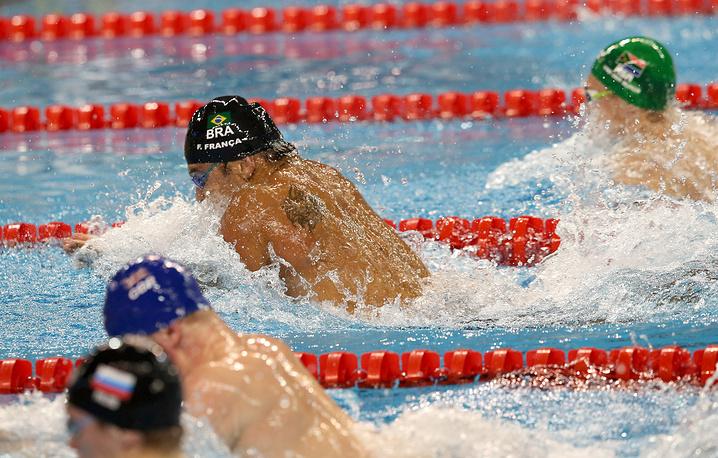 Финальный заплыв в эстафете 4x50 м комплексом