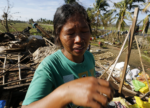 """Тайфун """"Хагупит"""" (переводится как """"Кнут""""), продвинувшись в центральную часть Филиппин, постепенно теряет силу"""