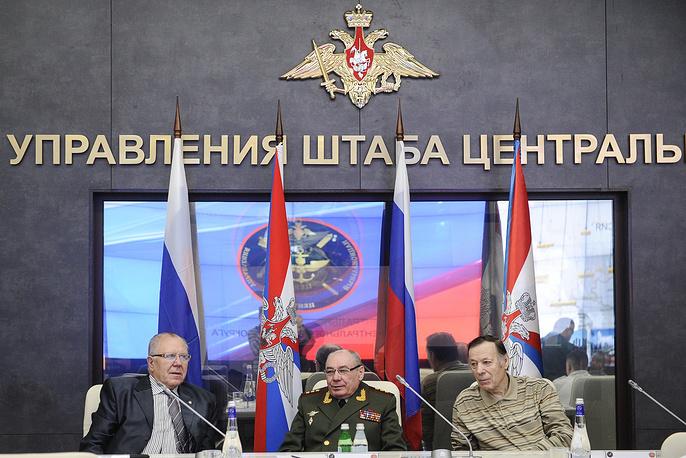 Генерал-лейтенант Николай Тимофеев, генерал-полковник Николай Ткачев и генерал-майор Сергей Гаврилов (слева направо)