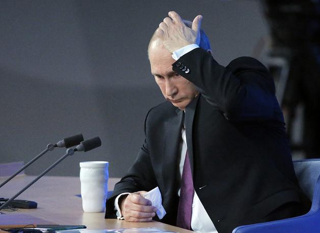 Кризис на Украине должен быть решен только политическими средствами, а не военными или блокадой. Россия исходит из того, что на Украине будет восстановлено общее политическое пространство, но к этому должны стремиться обе стороны
