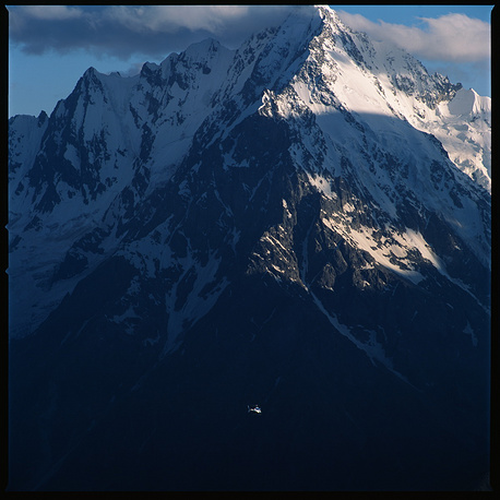 Кабардино-Балкария. Вид Главного Кавказского хребта со стороны Чегемского ущелья.