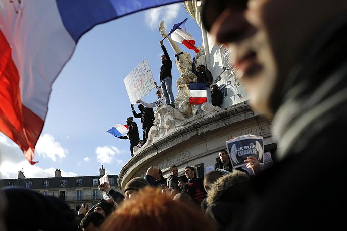 Участники шествия преодолели трехкилометровый путь от площади Республики до площади Нации. На фото: начало марша на площади Республики