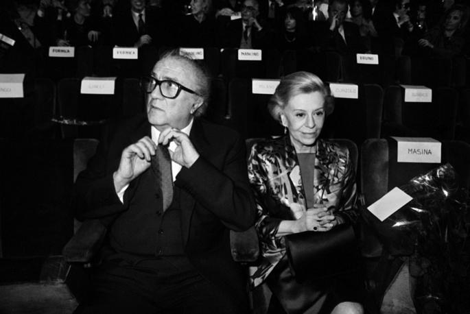 """Федерико Феллини и Джульетта Мазина на премьере фильма """"Джинджер и Фред"""" в Риме, 1986 год"""
