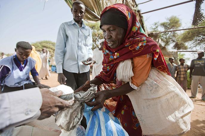 Кроме того, ЮНАМИД старается работать вместе с многочисленными гуманитарными миссиями в Судане для обеспечения нужд местного населения