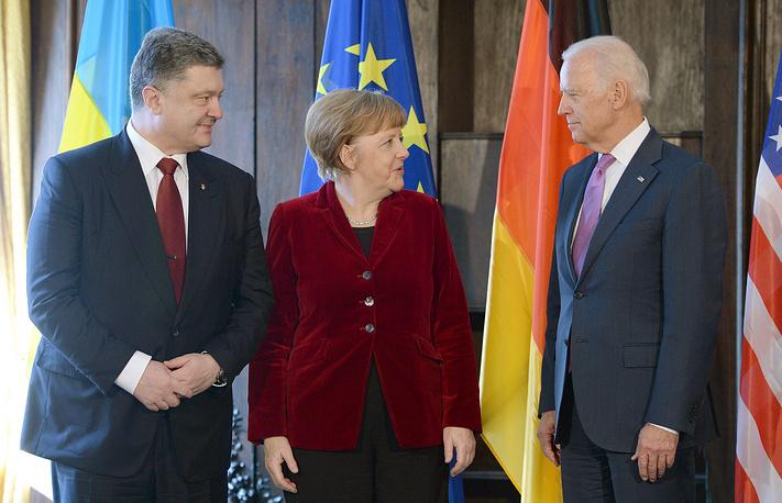 Президент Украины Петр Порошенко, канцлер Германии Ангела Меркель и вице-президент США Джо Байден