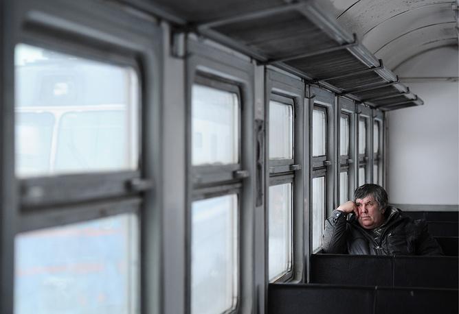 Объем субсидий на пригородные перевозки из федерального бюджета составляет 25 млрд руб., из региональных бюджетов - порядка 8 млрд руб.