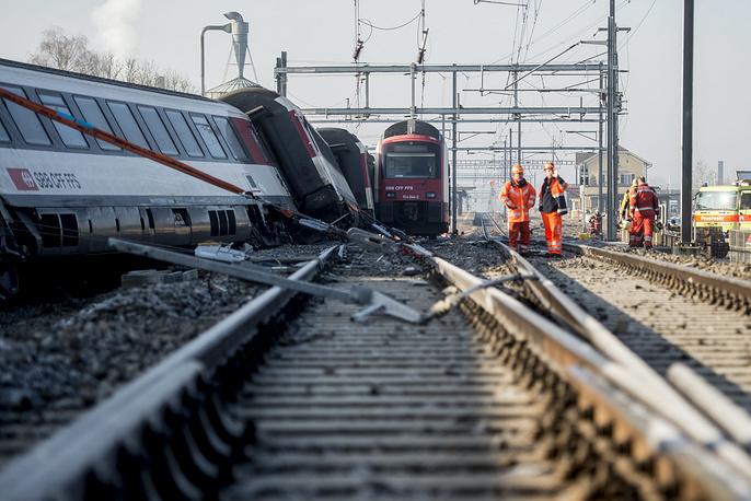 Авария произошла 20 февраля в 6:45 по местному времени (8:45 мск) на железнодорожной станции в швейцарском городе Рафц