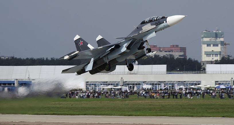 Истребитель Су-30СМ на международном авиасалоне МАКС-2013 в Жуковском