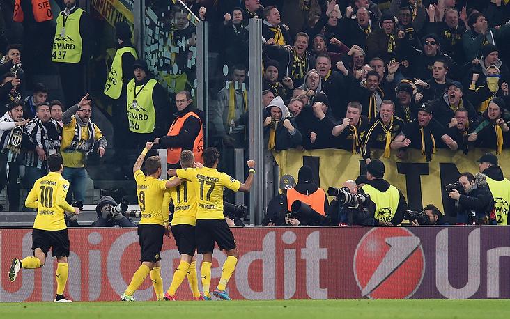Дортмундцы сумели сравнять счет через пять минут - Марко Ройс воспользовался грубой ошибкой защитника Джорджо Кьеллини