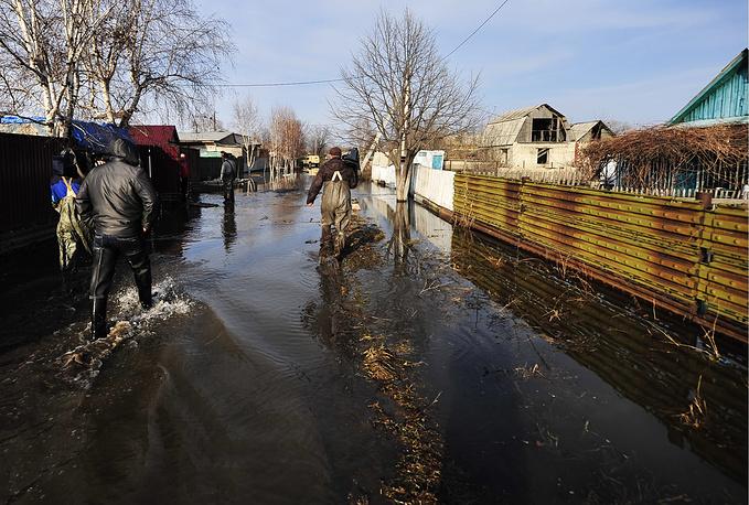 Подъем уровней рек может составить от 2 до 2,5 метра, местами - до 4 метров. Это связано с сильными снегопадами, которые прошли в регион в конце февраля - начале марта