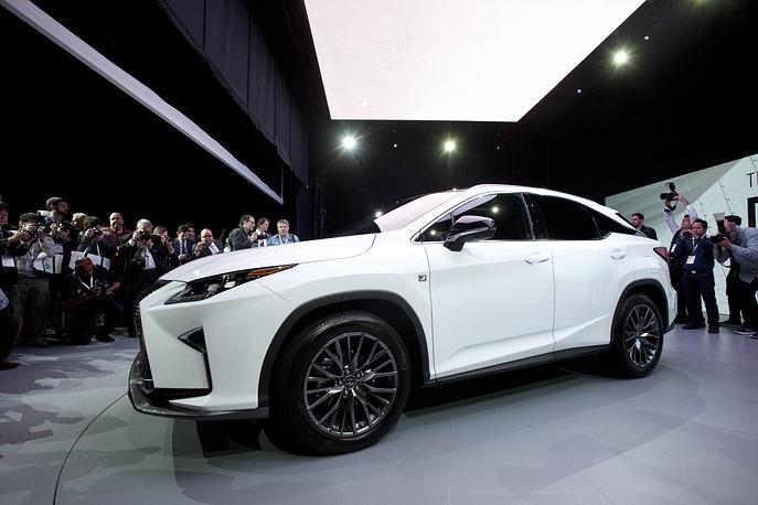 Lexus представил новое поколение кроссовера RX с 3,5-литровым мотором V6 и мощностью 300 л.с.