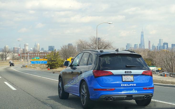Автомобиль компании Delphi Automotive во время автопробега по территории США