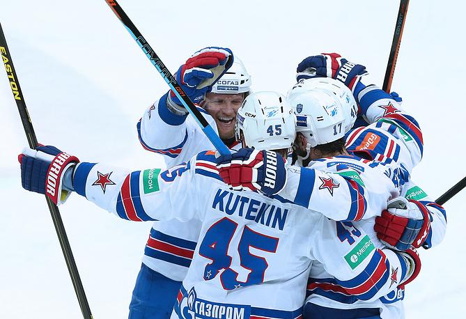 СКА выиграл семиматчевую полуфинальную серию у ЦСКА и добился уникального достижения - вышел в следующий раунд плей-офф, уступая по его ходу со счетом 0-3