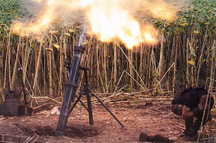 Бои между украинской армией и ополченцами под Иловайском, Донецкая область, август 2014 года