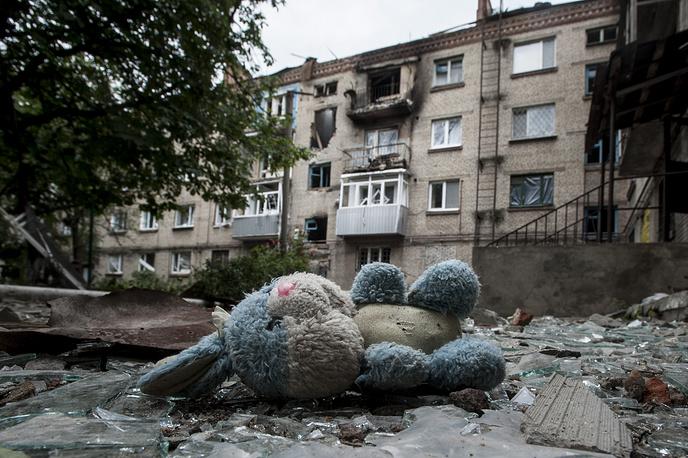 Последствия обстрелов со стороны украинских военных, Славянск, Донецкая область, июнь 2014 года