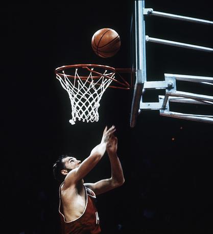 Советский баскетболист Александр Белов, автор победного броска в финальном матче против команды США на Олимпийских играх 1972 года