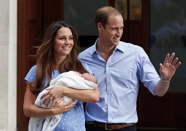 22 июля 2013 года герцогиня Кембриджская Кейт родила первенца. Мальчик получил имя Джордж Александр Луи и стал третьим в списке наследников британского престола после принца Чарльза и принца Уильяма