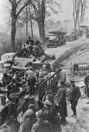 Фронтовая дорога в Восточной Германии, 1945 год