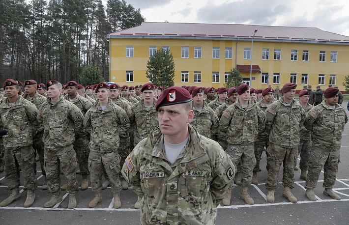 Американские военнослужащие во время открытия украинско-американских командно-штабных учений Fearless Guardian 2015