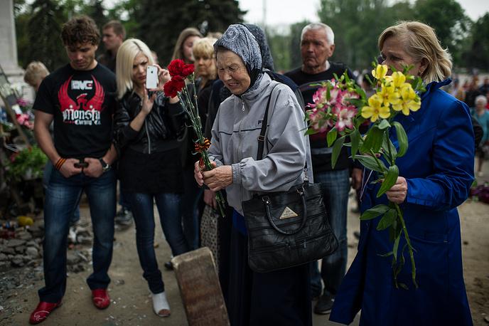 Акция памяти у Дома профсоюзов в Одессе, 4 мая 2014 года