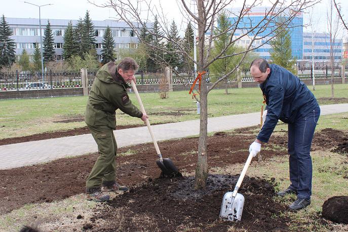 Генеральный директор УГМК Андрей Козицын и председатель правительства Свердловской области Денис Паслер (слева направо)
