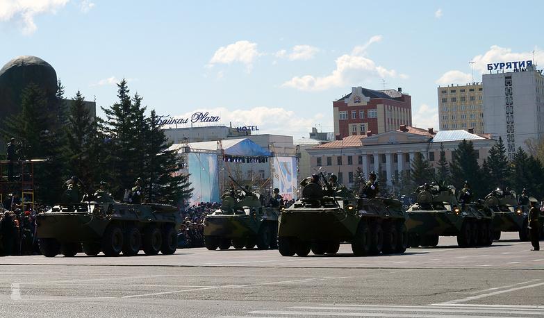 Военная техника прошла по главной площади Улан-Удэ впервые за долгие годы