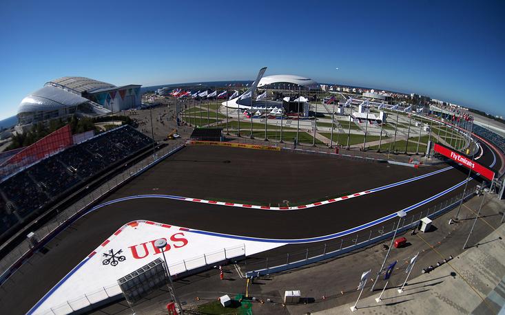 """В октябре 2014 года состоялся первый в истории """"королевских гонок"""" Гран-при России. Соревнования прошли в Сочи на территории Олимпийского парка"""