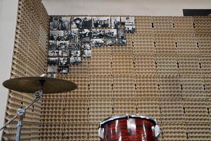 Самодельная звукоизоляция из картонных ячеек из-под куриных яиц