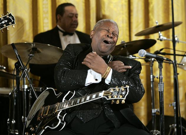 Би Би Кинг выступает в Восточном зале Белого дома в Вашингтоне, 2006 год