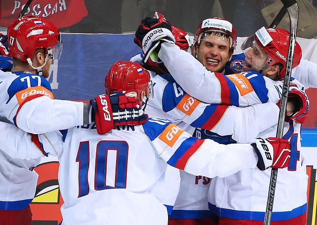 16 мая сборная России вышла в финал чемпионата мира по хоккею и сыграет с командой Канады. В полуфинале команда Олега Знарка обыграла сборную США со счетом 4:0