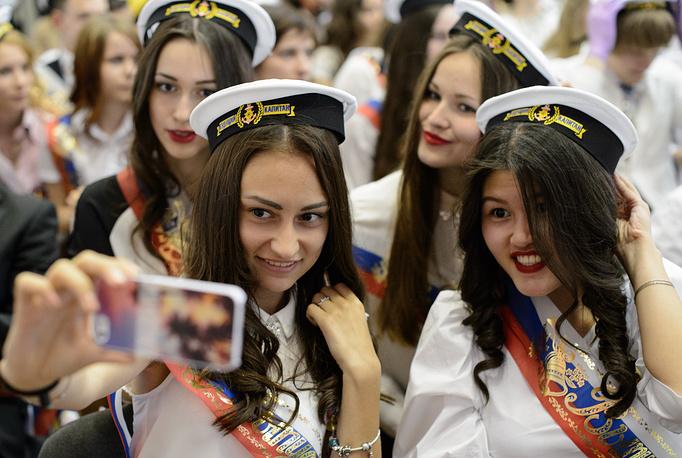Выпускницы гимназии №35 в Екатеринбурге